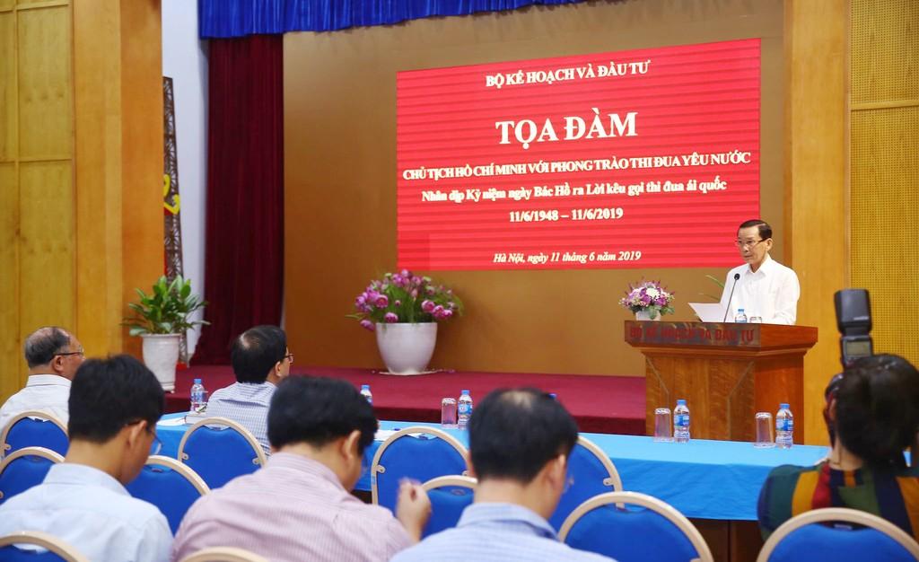 """Thứ trưởng Bộ KH&ĐT Võ Thành Thống phát biểu tại Tọa đàm """"Chủ tịch Hồ Chí Minh với các phong trào thi đua yêu nước"""" ngày 11/6/2019 tại Hà Nội. Ảnh: Lê Tiên"""