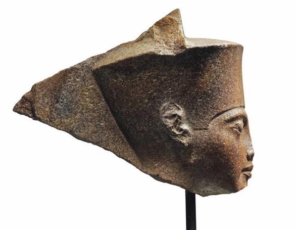 Bức tượng đầu Pharaoh Tutankhamun là một trong những hiện vật tại buổi đấu giá của Christie's vào tháng 7 tới đây - Ảnh: Christie's
