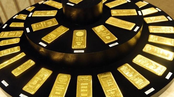 Giá vàng thế giới giảm, trong nước tăng