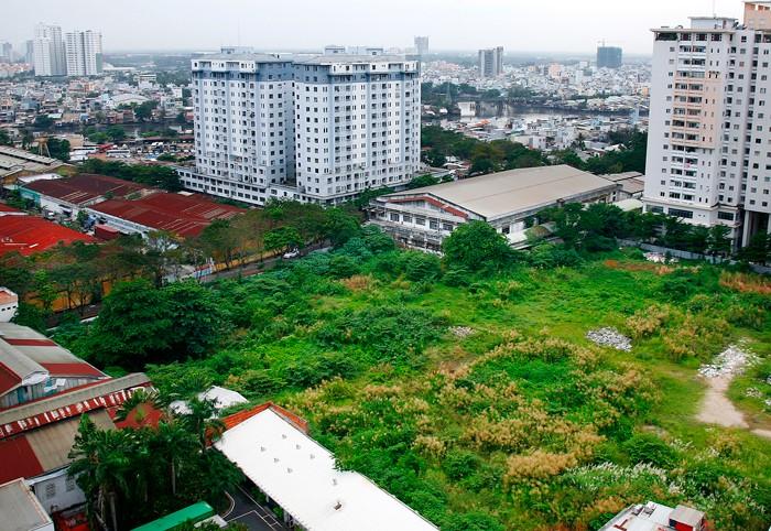 Theo thống kê của 27/63 địa phương, các tổ chức bán đấu giá chuyên nghiệp đã bán đấu giá quyền sử dụng đất thu được hơn 14.218 tỷ đồng, vượt giá khởi điểm khoảng 2.008 tỷ đồng . Ảnh: Lê Tiên