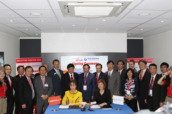 Vietjet ký kết nhiều hợp đồng tại Triển lãm hàng không quốc tế Singapore Airshow 2016