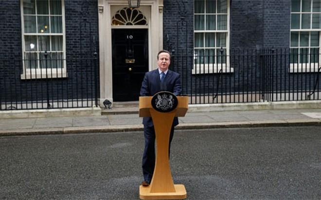 Thủ tướng Anh David Cameron phát biểu tại số 10 phố Downing ngày 20/2 - Ảnh: Bloomberg.