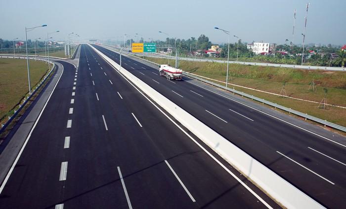 Cần hơn 300.000 tỷ đồng vốn ngoài ngân sách cho phát triển hạ tầng giao thông trong 5 năm tới. Ảnh: Lê Tiên