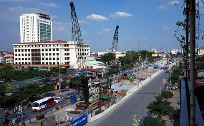 Công trường xây dựng tuyến đường sắt đô thị thí điểm Nhổn - Ga Hà Nội. Ảnh: Điệp Dũng