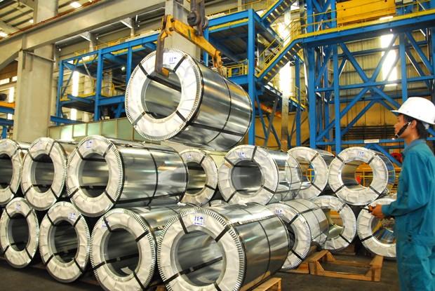 Doanh nghiệp thép trong nước cần tăng cường năng lực sản xuất để cung ứng cho thị trường sản phẩm có giá cả cạnh tranh. Ảnh: Lê Tiên