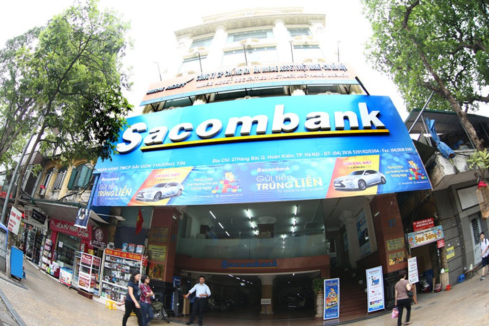 Các đối tượng đã thực hiện thành công 4 giao dịch, chiếm đoạt số tiền 4,7 tỷ đồng của Sacombank. Ảnh: Lê Tiên