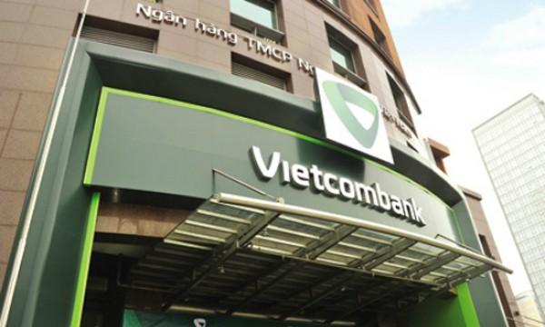 Vietcombank chuyển đổi phương thức kích hoạt dịch vụ Smart OTP bằng cách thực hiện tại quầy giao dịch.