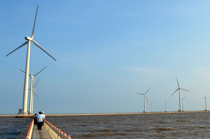 Giá thành điện từ năng lượng tái tạo cao, chưa tạo ra lợi nhuận đủ để hấp dẫn nhà đầu tư. Ảnh: Ngọc Tuấn