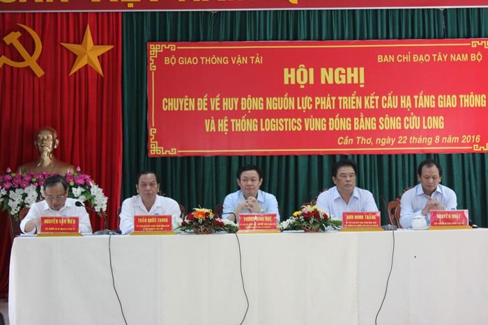 Phó Thủ tướng Vương Đình Huệ, Trưởng Ban Chỉ đạo Tây Nam Bộ chủ trì Hội nghị. Ảnh: Văn Huyền - Anh Khoa