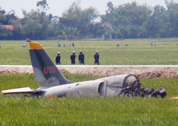 Thủ tướng yêu cầu rà soát quy trình bay sau vụ phi cơ quân sự gặp nạn - ảnh 2