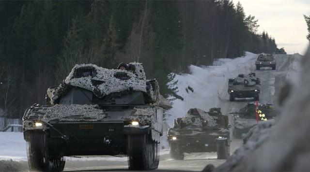 Xe quân sự tham gia tập trận Joint Viking 2017 tại Na Uy (Ảnh: RT)