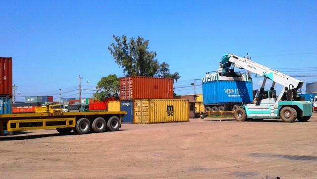 Cảng Quy Nhơn (Bình Định), nơi đang chứa lô hàng 21 container thuốc lá điếu ngoại trị giá trên 42 tỷ đồng đang chờ bán đấu giá