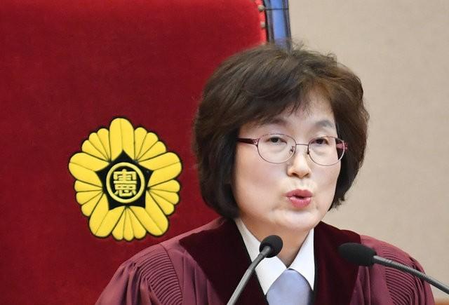Người Hàn Quốc khóc, cười khi Tổng thống bị phế truất - ảnh 3
