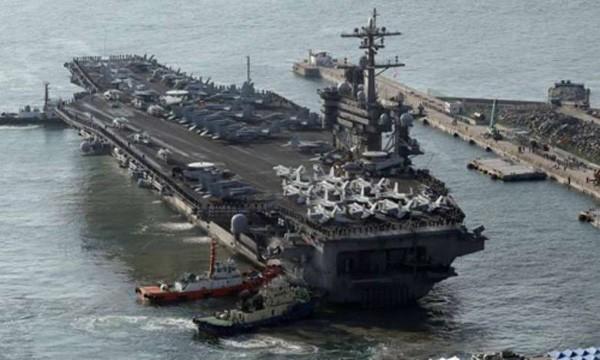 Tàu sân bay hạt nhân Mỹ USS Carl Vinson hôm nay cập cảng ở Busan, Hàn Quốc. Ảnh:Reuters