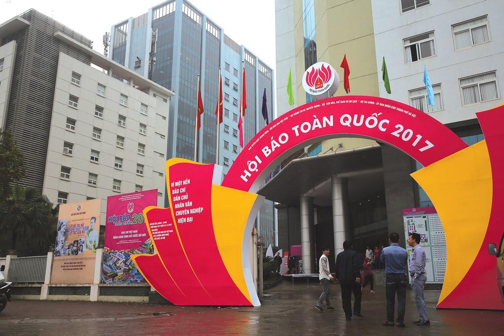 Báo Đấu thầu tham gia Hội báo toàn quốc 2017