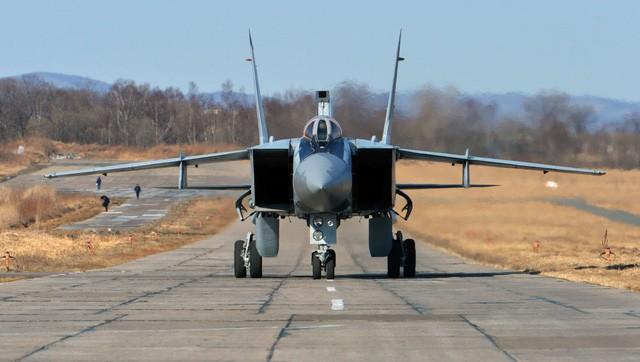 """""""Sát thủ đánh chặn"""" MiG-31 của Nga tập trận ở Viễn Đông - ảnh 6"""