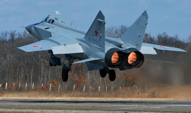 """""""Sát thủ đánh chặn"""" MiG-31 của Nga tập trận ở Viễn Đông - ảnh 8"""