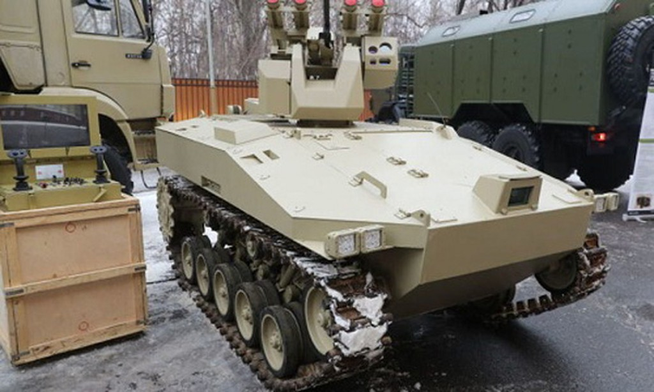Dòng robot tấn công Soratnik của Nga. Ảnh:Popularmechanics