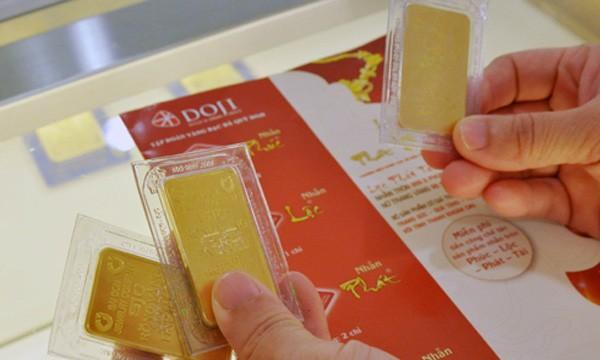 Giá vàng miếng SJC sáng nay tăng trên dưới 100.000 đồng mỗi lượng. Ảnh:PV.