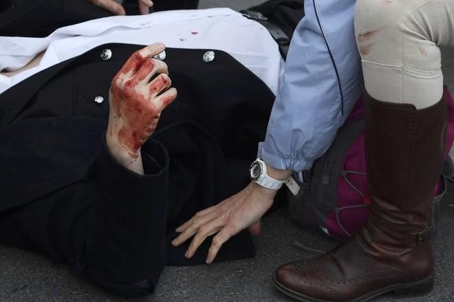 Hiện trường vụ tấn công khủng bố ở thủ đô London - ảnh 3