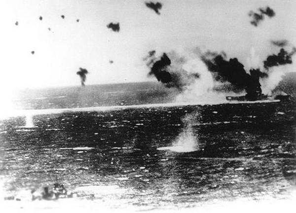 Trận đụng độ lớn đầu tiên giữa các tàu sân bay trong lịch sử - ảnh 2