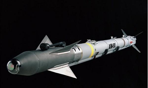 Phi công tiêm kích F-22 Mỹ vui mừng với tên lửa hồng ngoại mới - ảnh 1