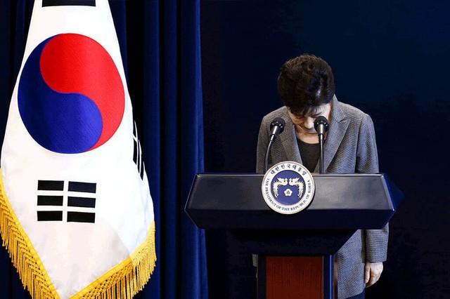 Cuộc đời bi kịch của bà Park Geun-hye từ Nhà Xanh tới song sắt nhà lao - ảnh 13