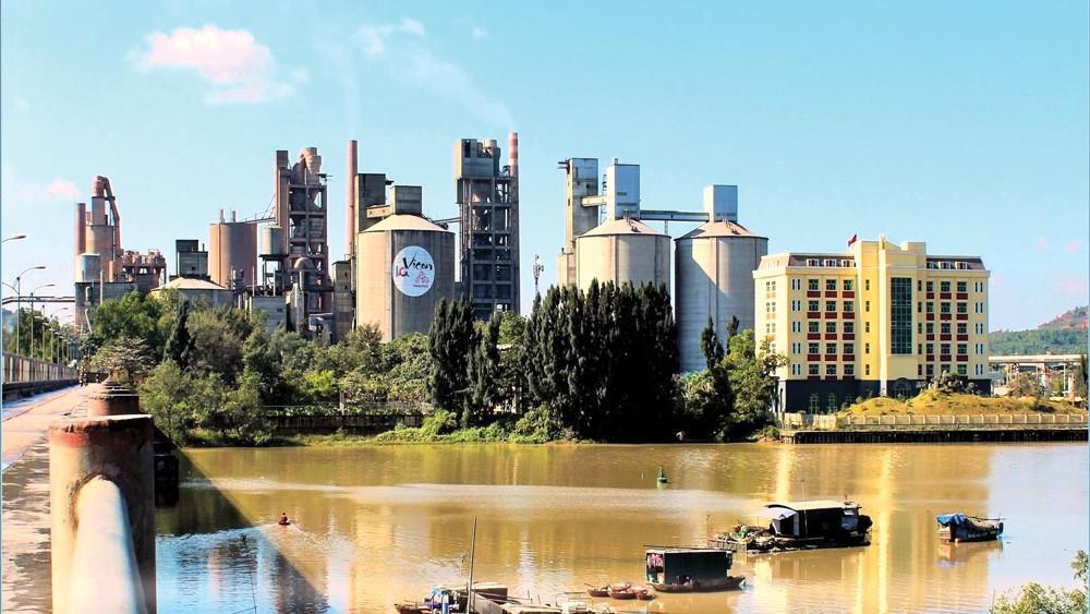 Vicem Hoàng Thạch là một trong những doanh nghiệp xi măng có sản lượng tiêu thụ lớn nhất trong ngành vật liệu xây dựng