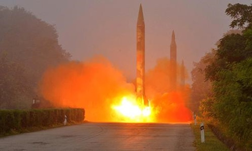 Một vụ phóng thử tên lửa của Triều Tiên năm 2016. Ảnh:Reuters.