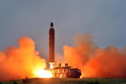 Một vụ phóng thử tên lửa của Triều Tiên. (Ảnh: Getty)