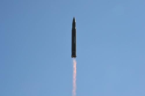 Hwasong-14, tên lửa Triều Tiên vượt tầm dự đoán của tình báo Mỹ - ảnh 2