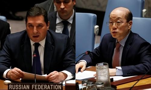 Đại sứ Nga tại Liên Hợp Quốc Vladimir Safronkov (trái) và người đồng cấp Trung Quốc Liu Jieyi. Ảnh:Reuters.