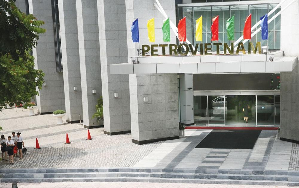 Tòa án yêu cầu điều tra bổ sung trách nhiệm của các cá nhân liên quan trong việc quản lý phần vốn góp 800 tỷ đồng của PVN tại OceanBank . Ảnh: Lê Tiên