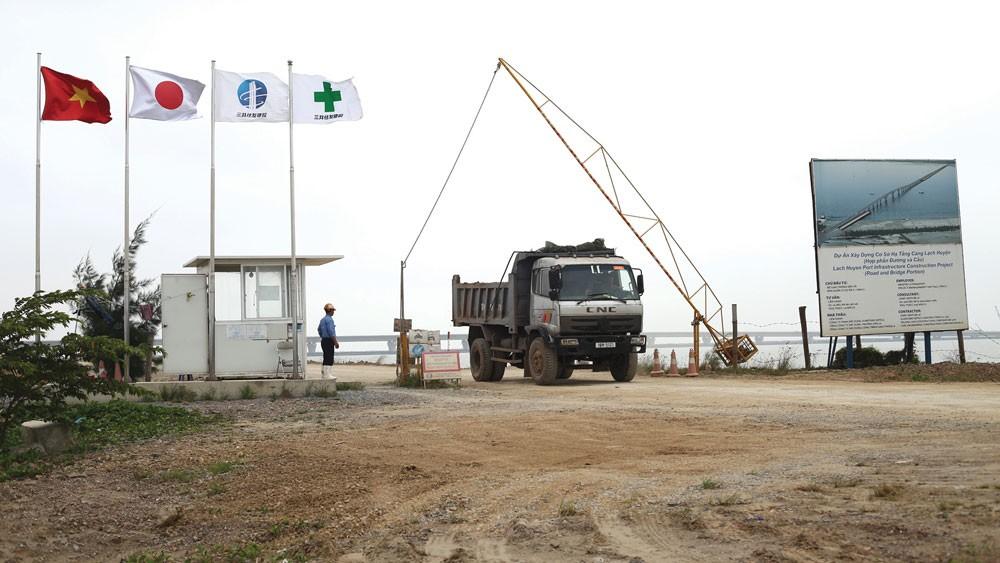 Bộ GTVT yêu cầu làm rõ trách nhiệm của tư vấn giám sát và nhà thầu xây lắp trong giám sát chất lượng và tổ chức thi công cầu vượt biển Tân Vũ - Lạch Huyện. Ảnh: Nhã Chi