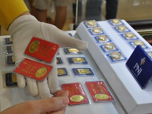 Giá vàng miếng tuần này điều chỉnh khoảng 100.000 đồng mỗi lượng.