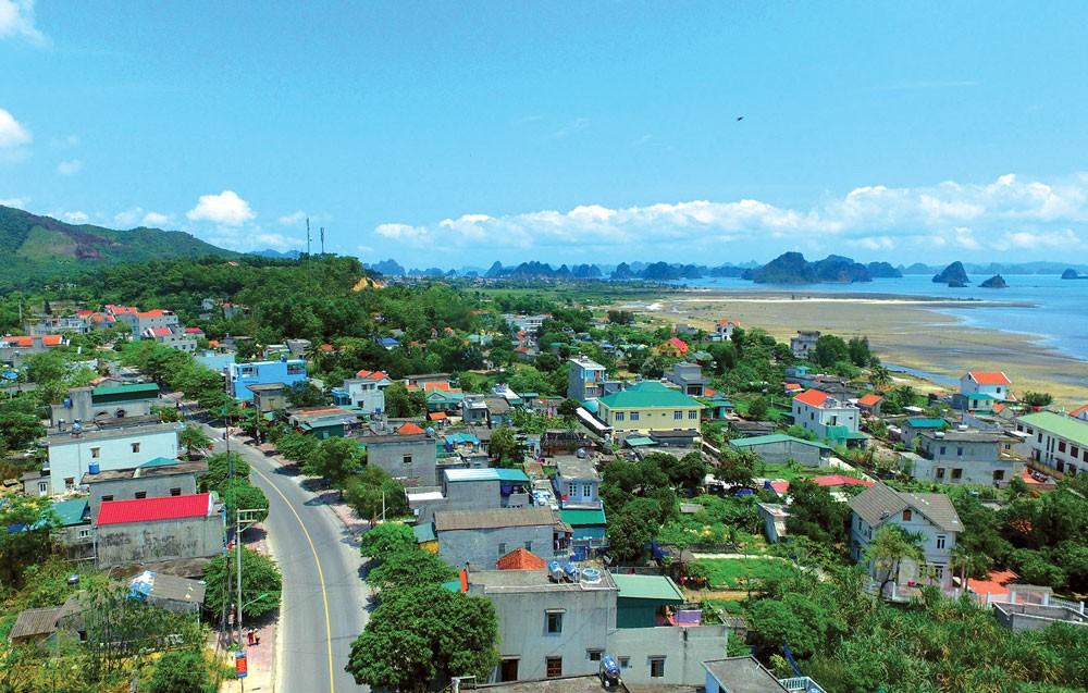 Thủ tướng Chính phủ yêu cầu xây dựng Khu hành chính - kinh tế đặc biệt Vân Đồn dựa trên lợi thế về vị trí, tiềm năng riêng có của địa phương. Ảnh: Đỗ Giang