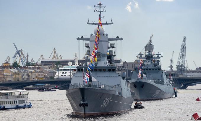 Dàn tàu chiến hạng nặng Nga tập duyệt binh trên sông - ảnh 5