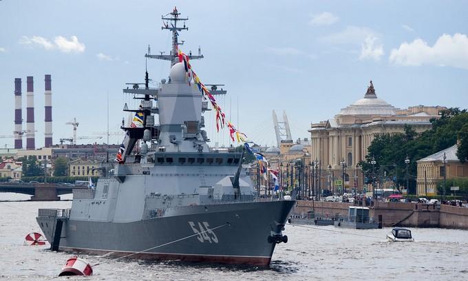 Dàn tàu chiến hạng nặng Nga tập duyệt binh trên sông - ảnh 6