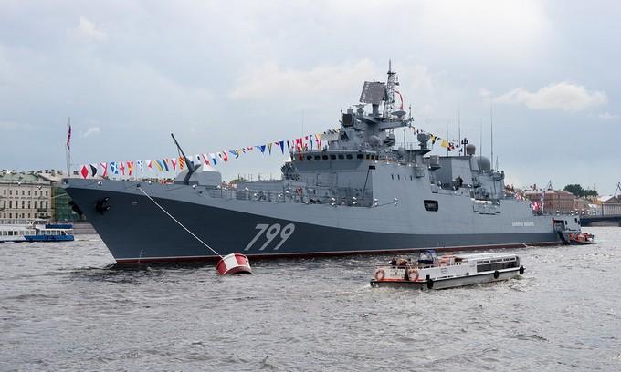 Dàn tàu chiến hạng nặng Nga tập duyệt binh trên sông - ảnh 7