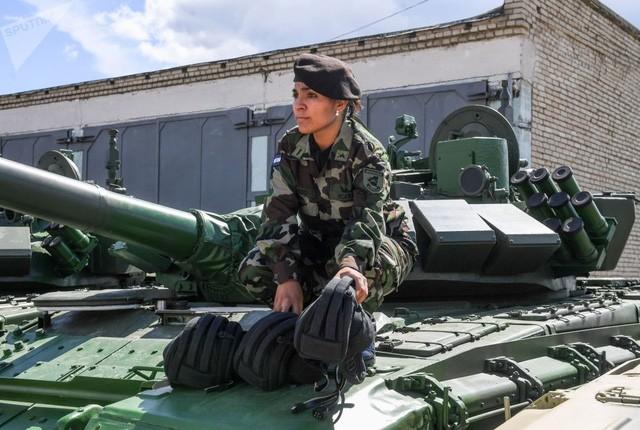 """Xe tăng các nước rầm rập đổ về Nga """"so tài"""" - ảnh 8"""