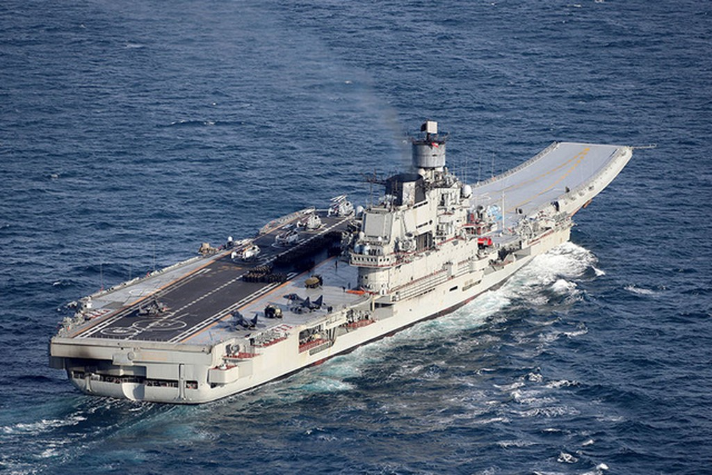 Dàn tàu chiến mạnh nhất của Nga phô diễn - ảnh 1