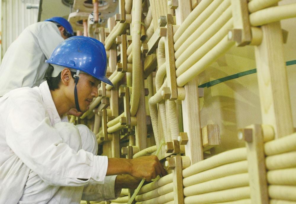 """Gói thầu số 28: """"Cung cấp lắp đặt máy phát điện"""" do Trung ương Hội liên hiệp Phụ nữ Việt Nam làm chủ đầu tư. Ảnh: Tường Lâm"""