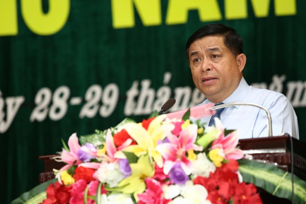 Bộ trưởng Nguyễn Chí Dũng đánh giá cao những kết quả mà tỉnh Quảng Trị đã đạt được trên tất cả các lĩnh vực trong 6 tháng đầu năm. Ảnh: Lê Tiên