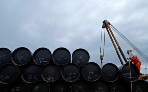 Giá dầu thế giới đã tăng khoảng 10% kể từ cuộc họp gần đây nhất giữa OPEC và Nga - Ảnh: Reuters.