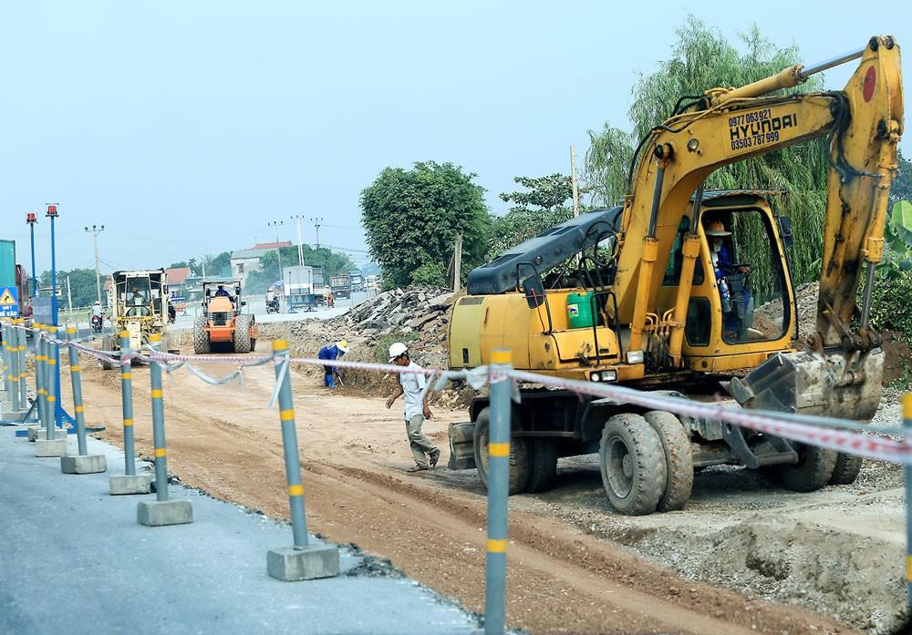 Việc sử dụng Quỹ Bảo trì đường bộ ở cấp trung ương và địa phương đã góp phần quan trọng trong việc kéo dài thời gian khai thác công trình đường bộ. Ảnh: Lê Tiên
