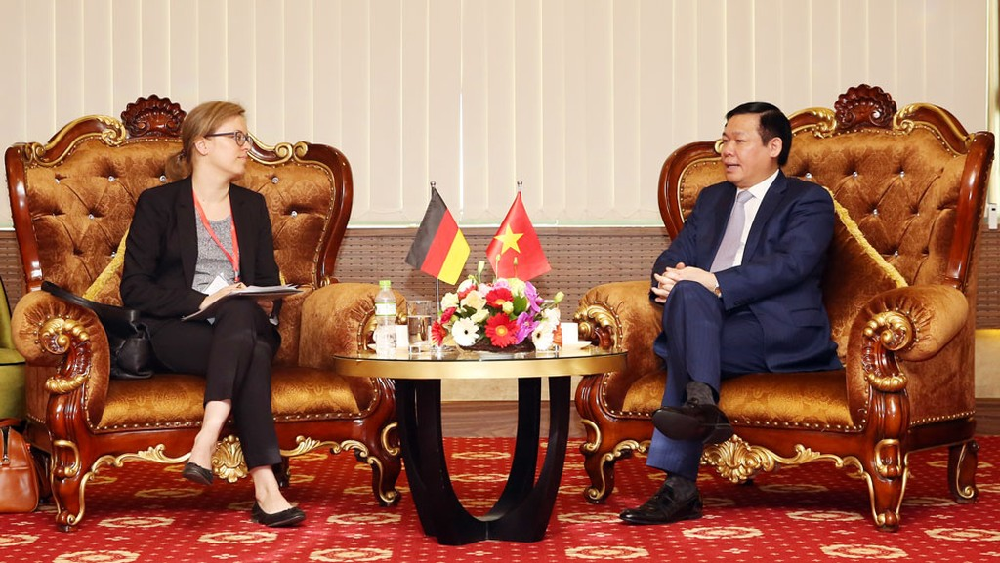 Phó Thủ tướng Vương Đình Huệ tiếp bà Lucia Bergfeld, Bí thư thứ nhất, Tham tán phát triển của Đại sứ quán Đức tại Việt Nam