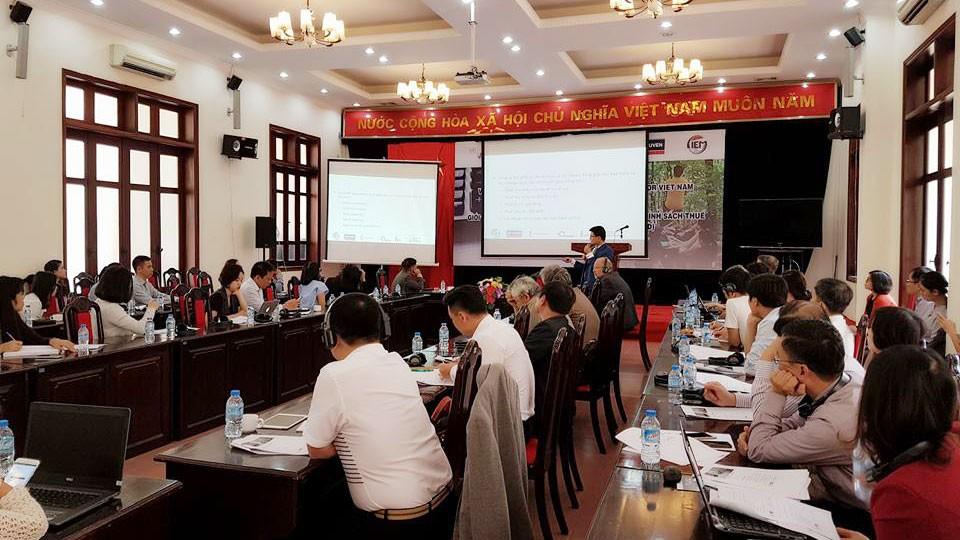 """Hội thảo """"Giới thiệu mô hình mô phỏng tác động vi mô của chính sách thuế và bảo hiểm xã hội cho Việt Nam"""" tổ chức ngày 13/11. Ảnh: Đức Trung"""