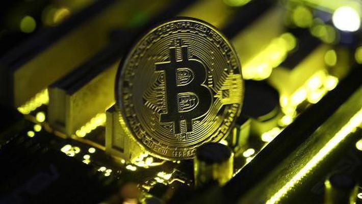 """Ngân hàng lớn nhất Đông Nam Á gọi Bitcoin là """"trò lừa đa cấp"""""""