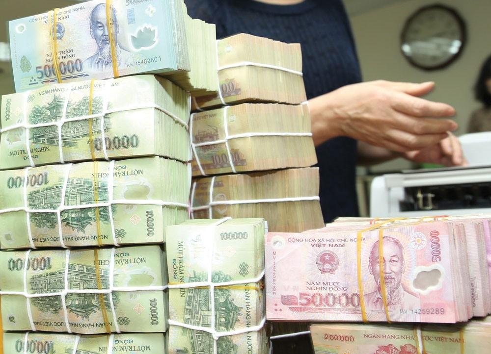 Tại phiên tòa phúc thẩm, Trần Ngọc Hưng cùng vợ thừa nhận đã dùng thủ đoạn gian dối để chiếm đoạt số tiền rất lớn của hàng loạt cá nhân và tổ chức. Ảnh: Gia Khoa