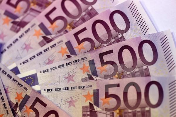 Đồng tiền mệnh giá 500 euro. (Nguồn: AFP/TTXVN)